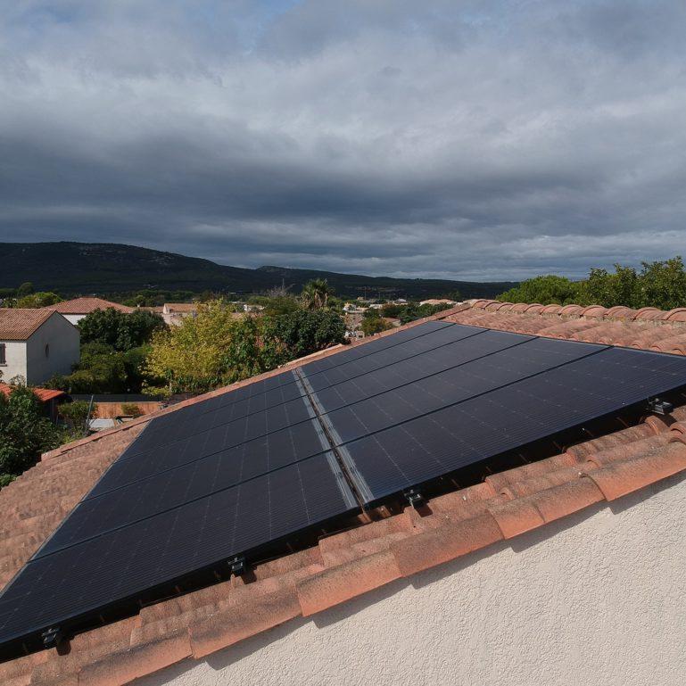 panneaux-photovoltaiques-sur-toiture